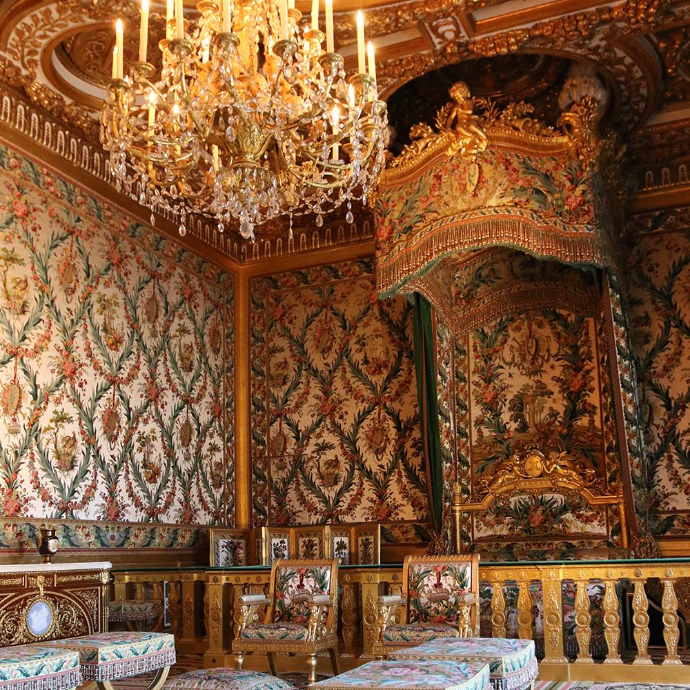 maison brazet le tapissier r put l atelier et ses tapissiers r put s. Black Bedroom Furniture Sets. Home Design Ideas